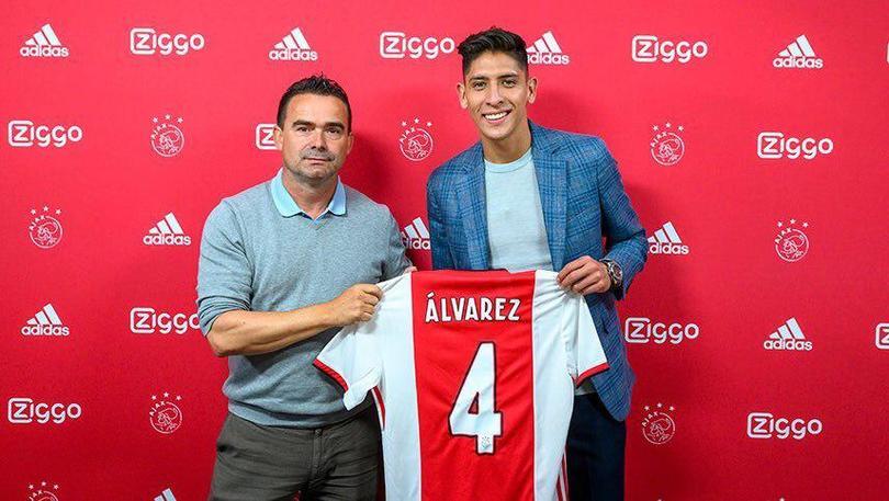Presentación y firma de contrato de Edson Álvarez con Ajax