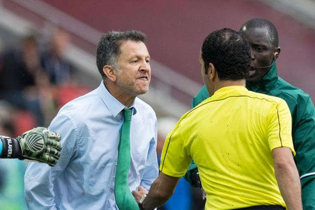 Juan Carlos Osorio agredió a un árbitro