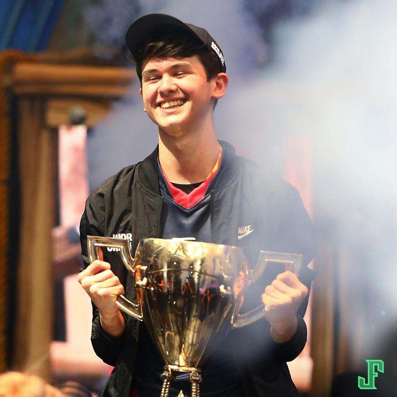 Tiene 16 años y ganó 3 millones de dólares en Fortnite.