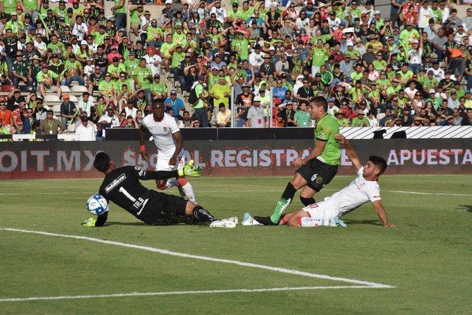 Los Bravos vencen a Toluca