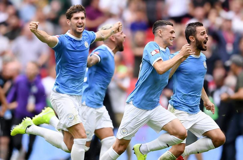 El Manchester City busca dos fichajes más