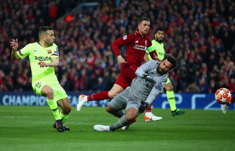 Allisson en acción en semifinales ante el Barcelona