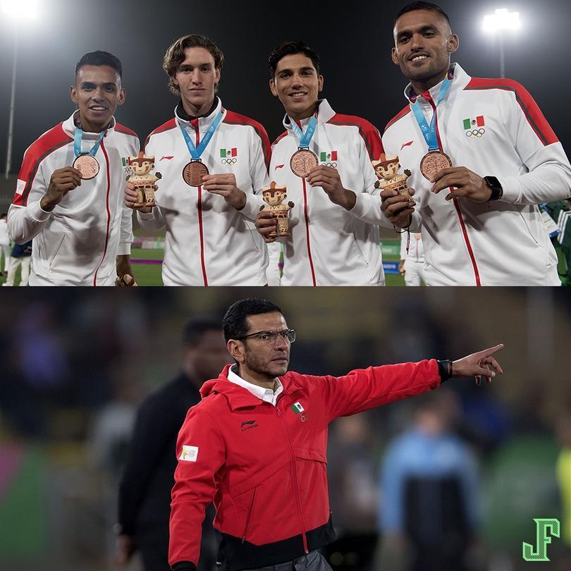 La Selección Mexicana recibió su medalla de Bronce después de vencer 1-0 a Uruguay.