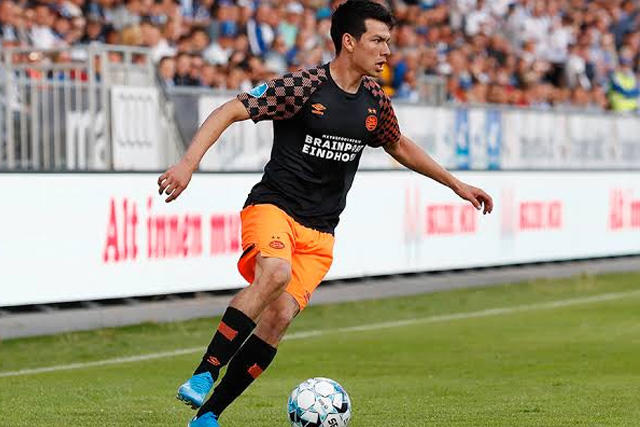 Lozano tuvo que salir de cambio en el juego contra el ADO Den Haag