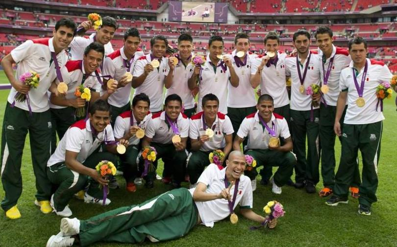 Futbolistas ganadores del oro donara su beca a otros deportistas