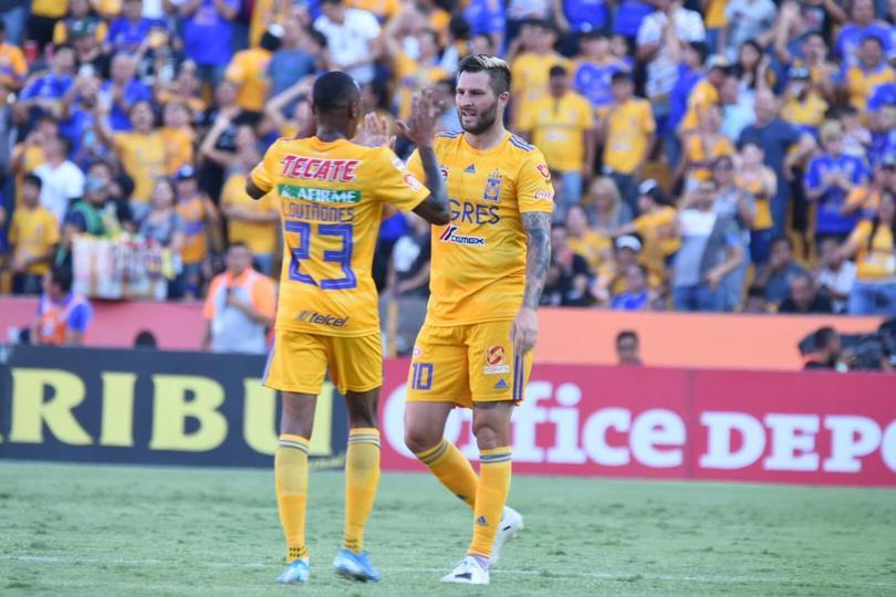Miguel Ángel Garza reveló que el club buscará suplir la baja de Quiñones o la de Meza