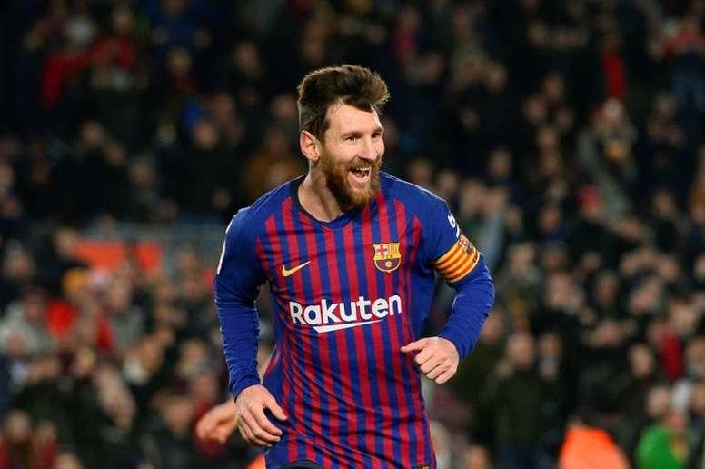 Messi festejando gol