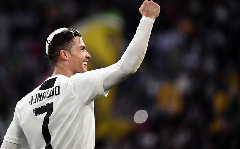 CR7 marcando gol con la Juventus