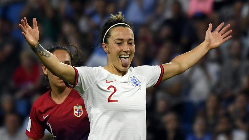 Lucy Bronze con la selección de Inglaterra