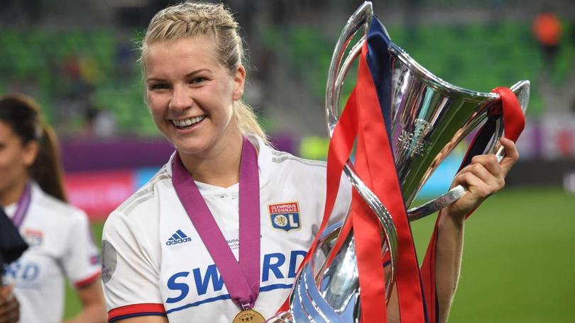 Ada Hegerber con la Champions League femenil