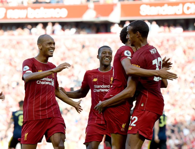 Matip puso el primer gol del Liverpool con un cabezazo en un tiro de esquina