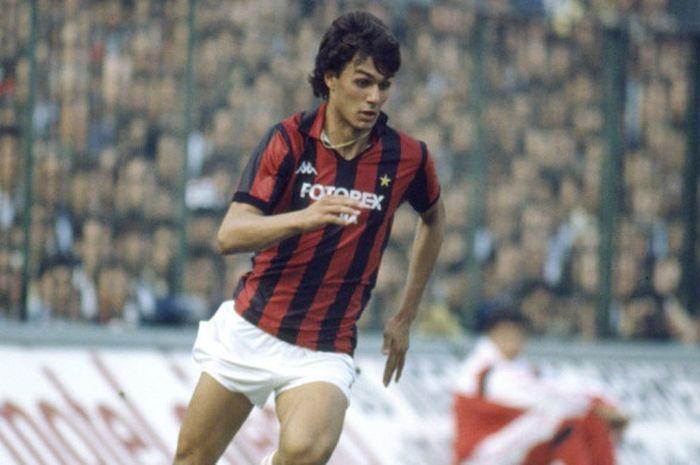 16 años, 6 meses y 25 días tenia Ill Capitano do Milan cuando debutó