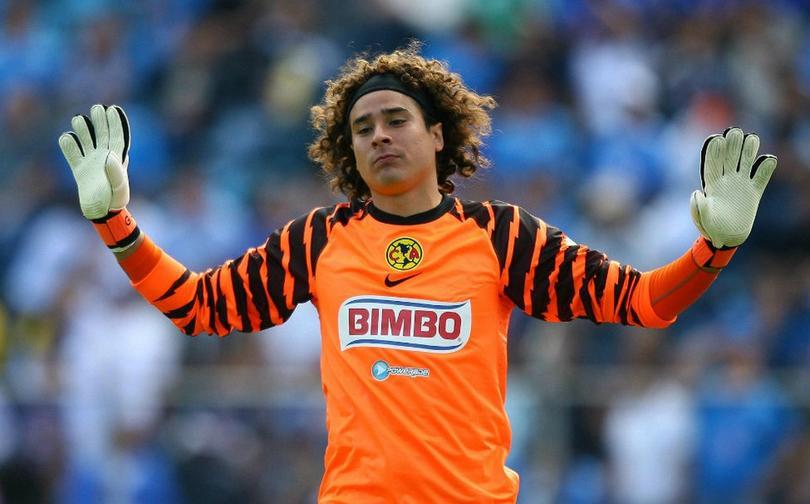 Más de ocho años pasaron para que Ochoa pisará la cancha del Estadio Azteca