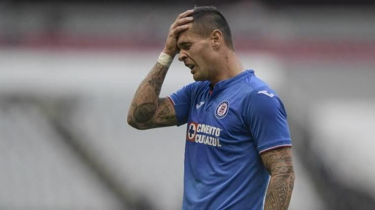 Milton Caraglio es baja de Cruz Azul por lesión