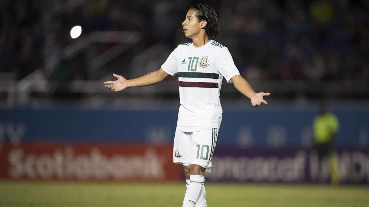 Diego Lainez quedó fuera de la Selección