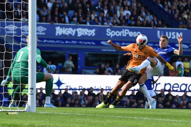 Raúl Jiménez anotó su segundo gol de la temporada en la Premier League