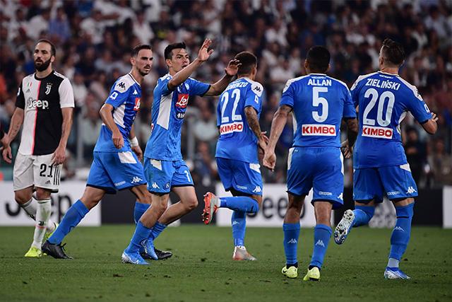 Hirving Lozano debutó con gol en la Serie A