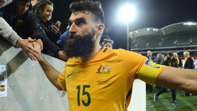 El capitán de los Socceroos se encuentra también sin equipo