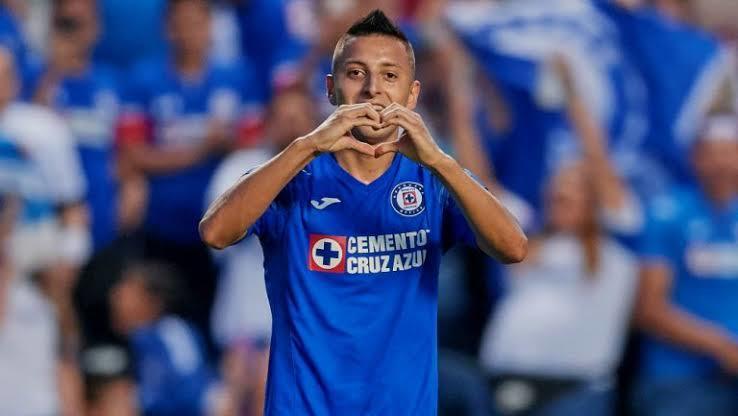 Peláez reveló la cláusula de Roberto Alvarado