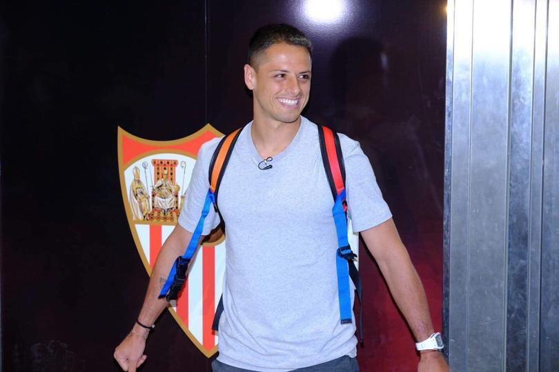 Chicharito fichó por el Sevilla este verano