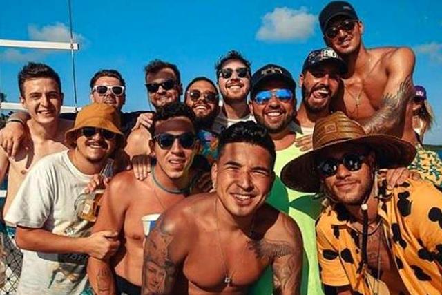 Neymar le paga 11 mil euros a sus amigos
