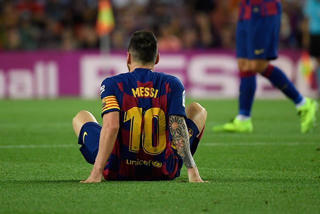 Lionel Messi es baja por una elongación en el muslo de la pierna izquierda