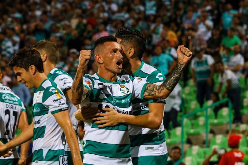 Santos goleó a Veracruz en casa