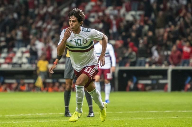 José Juan Macías debutó con gol en la Selección Mexicana