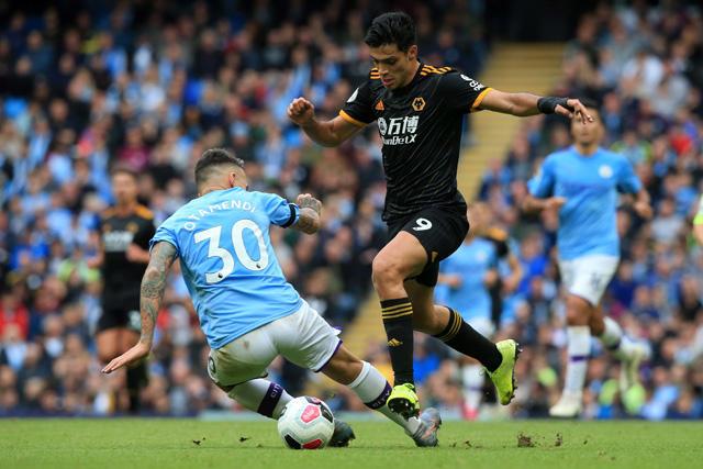 Raúl Jiménez se rifó con doblete de asistencias contra el Manchester City