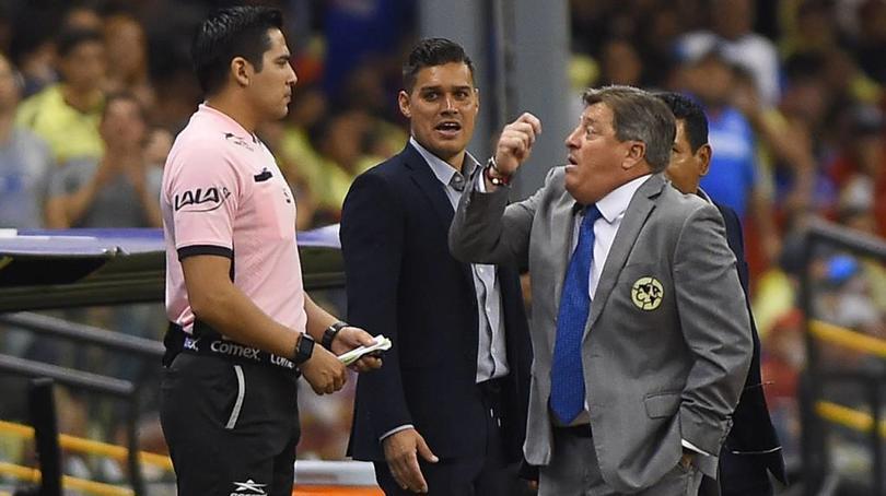 Miguel Herrera podría ser inhablitado por insultar al árbitro