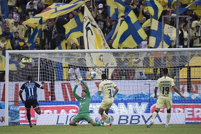 Guillermo Ochoa promedia 1.9 goles recibidos por partido