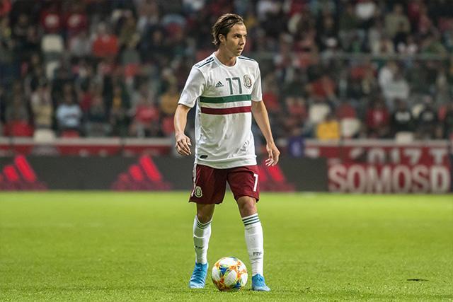 Sebastián Córdova es pretendido por Benfica, Manchester United, Sevilla y Betis