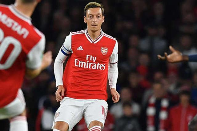 Mesut Özil dejaría al Arsenal en enero para irse a Turquía