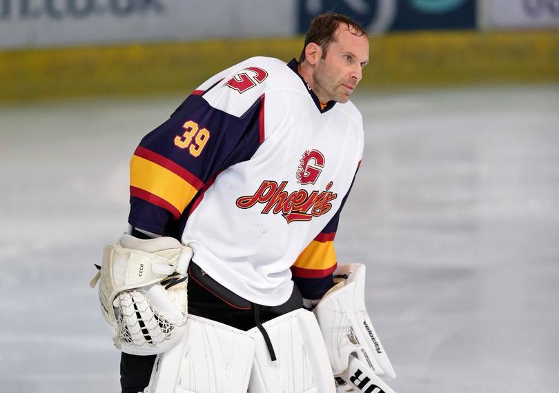 Petr Cech debutó como jugador de hockey sobre hielo