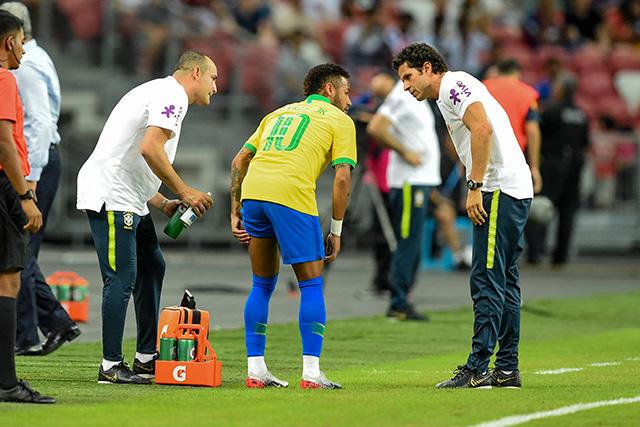 Neymar será baja por un mes con el PSG