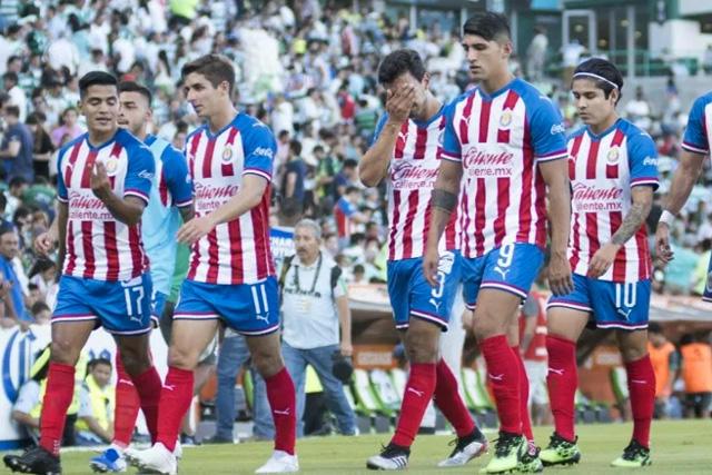 Chivas pondrá transferibles a cuatro jugadores