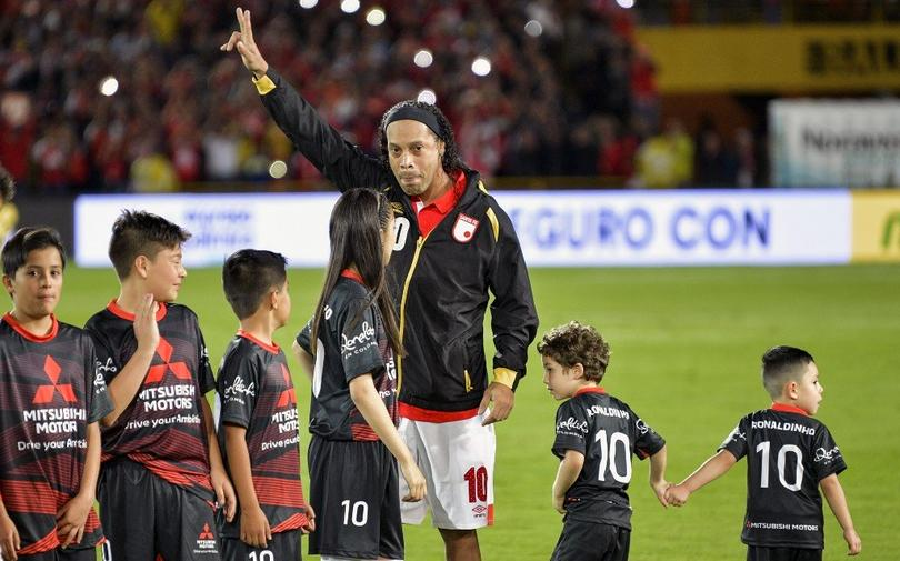 Ronaldinho se lució en su homenaje
