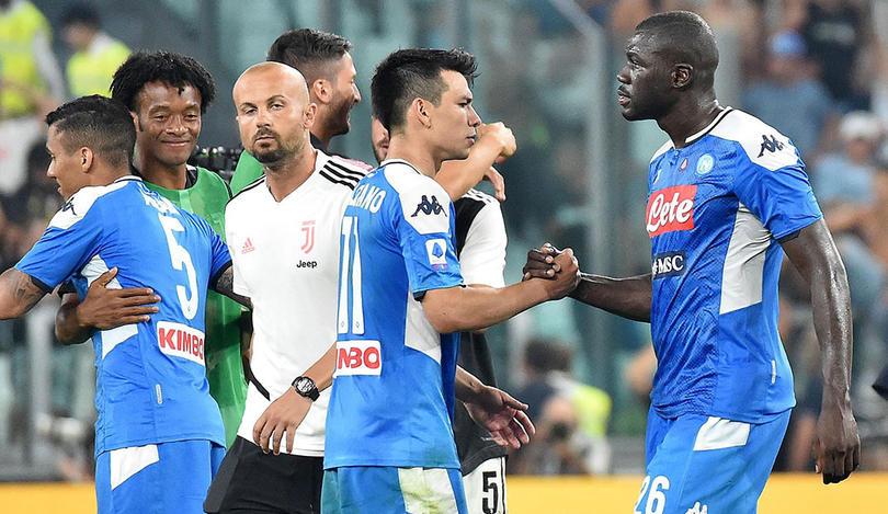 Real Madrid y Manchester City se pelearían a crack del Napoli