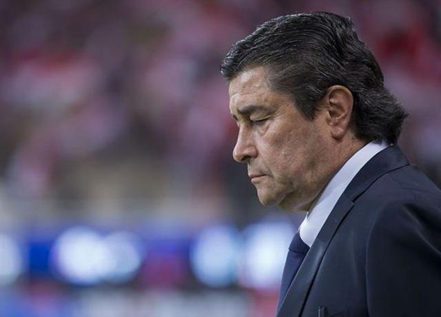 Peláez no cuenta con Luis Fernando Tena en Chivas