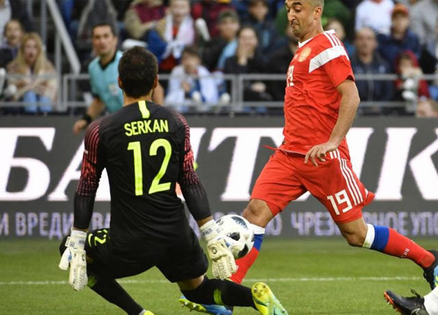Serkan Kirintili fue expulsado a los 13 segundos
