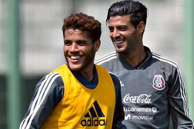 Jonathan dos Santos y Carlos Vela