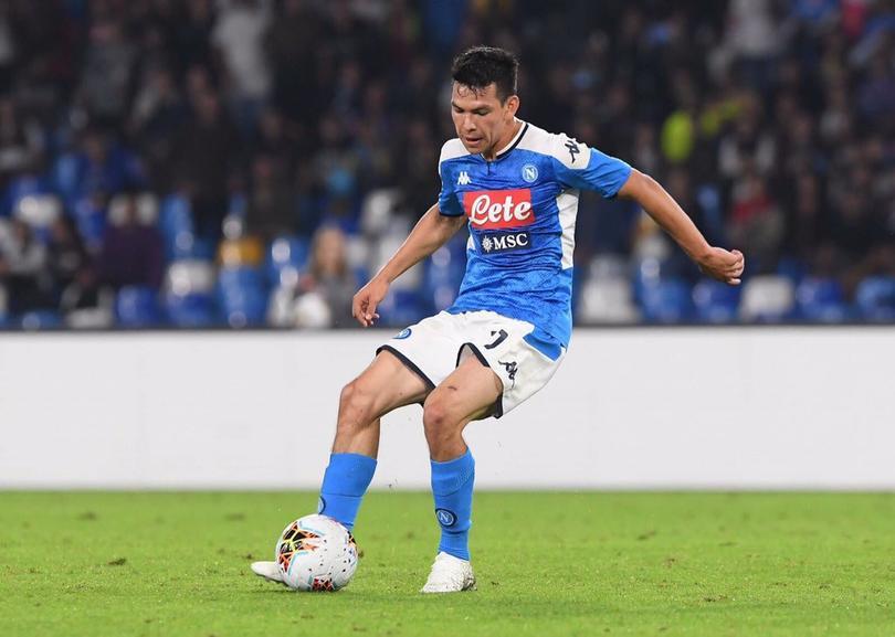 Medio italiano tunde a Lozano y lo comparan con un pésimo fichaje del club