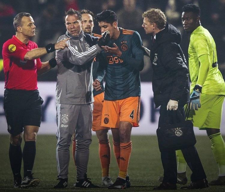 Edson Alvarez recibió un fuerte codazo en su partido contra el Ajax