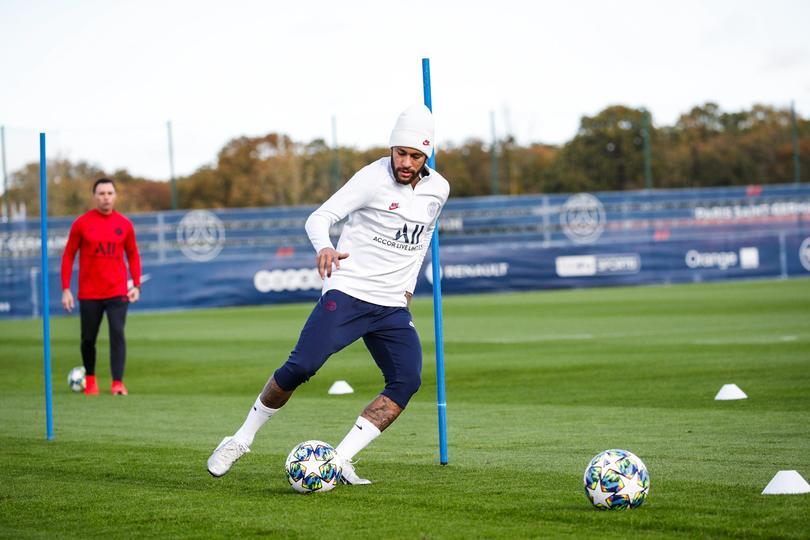 Neymar entrena de nuevo.