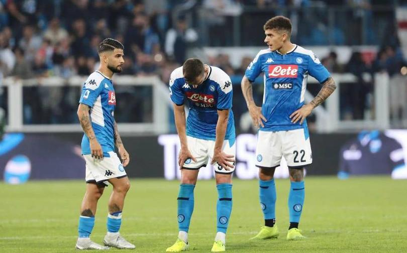 Lozano y compañía podría recibir una gran sanción con Napoli por indisciplina