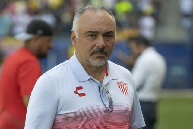 Memo Vázquez estaría descartado para llegar a Chivas