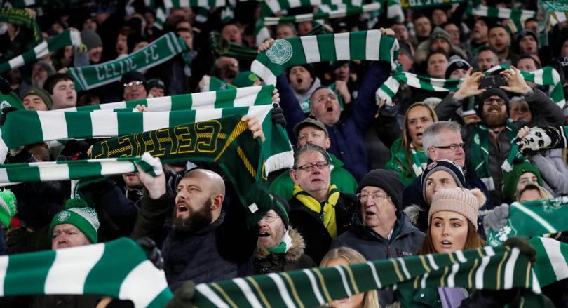 Antes del encuentro de Europa League dos aficionados del Celtic fueron apuñalados en Italia