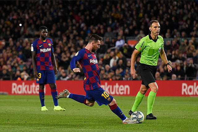 Javier Aguirre tiene diferentes opciones para tratar de detener los tiros libres de Messi
