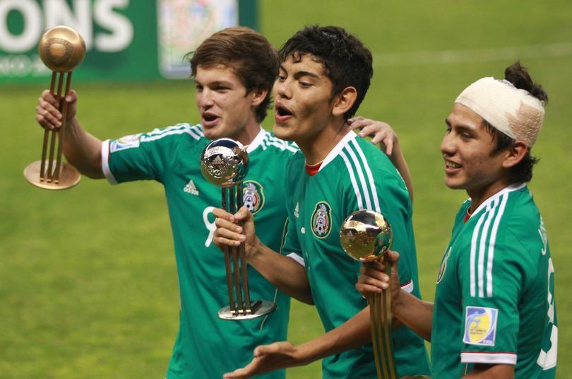 Carlos Fierro, Jonathan Espericueta y Julio Gómez