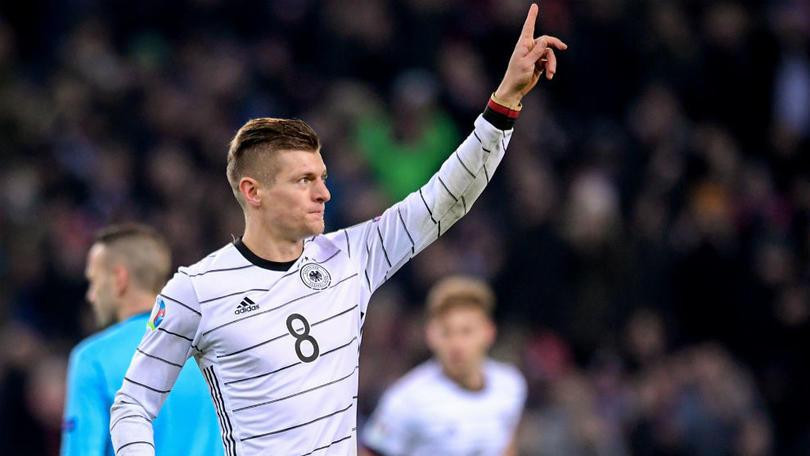 El golazo de Toni Kroos en la goleada de Alemania a Bielorrusia